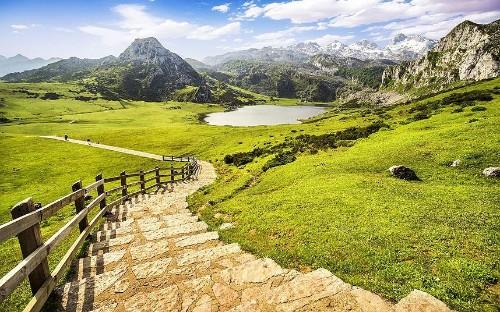 Walking holidays in Spain
