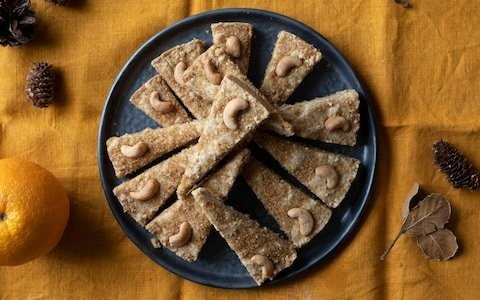 Cashew, cinnamon and clove shortbread recipe