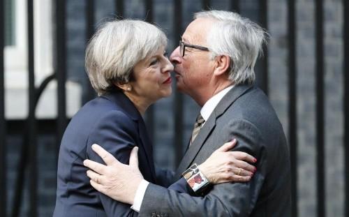 David Cameron says Britain must pay Brexit divorce bill as Theresa May meets EU negotatiors in Downing Street
