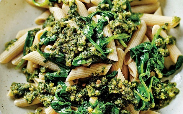 Pasta bake recipe with spinach, porcini and ricotta