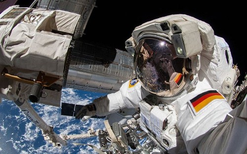 Selfies from outer space: Self-portraits by astronauts and robots far from Earth - Telegraph