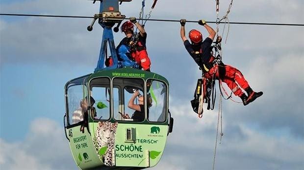 Cable car accident strands up to 100 passengers over the Rhine in Cologne