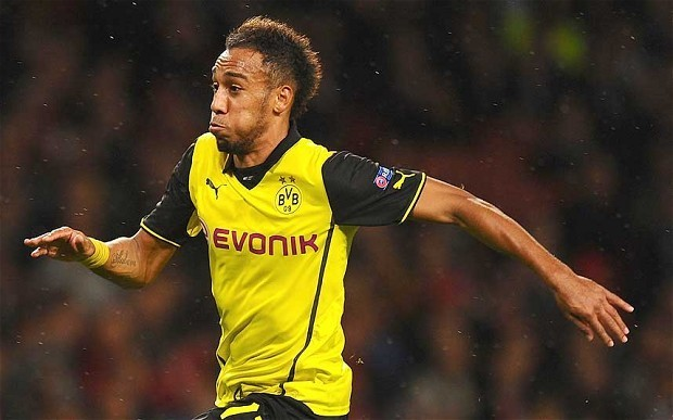 German sprint champion Julian Reus challenges Borussia Dortmund's Pierre-Emerick Aubameyang to 100m race