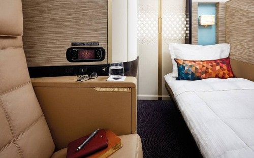The eight simple secrets to bagging a free airline upgrade