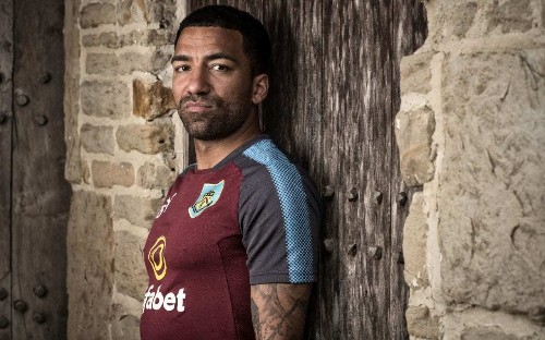 Aaron Lennon insists 'it's good to talk' as he offers advice to fellow players struggling with mental health issues