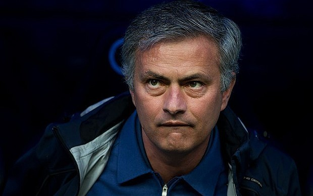 Chelsea's former chief executive Peter Kenyon would bring Jose Mourinho to Stamford Bridge