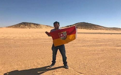 Explorer declares himself 'king' of unclaimed no man's land