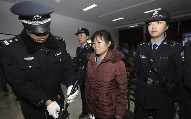 Chinese doctor faces death penalty for stealing babies