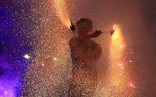 New Year's Eve celebrations around the world, in pictures