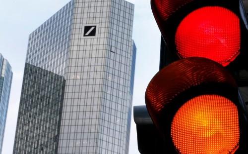 Deutsche boss: negative interest rates are 'fatal'