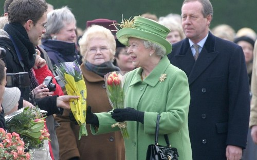 Queen 'expresses concern' after shake-up of royal security