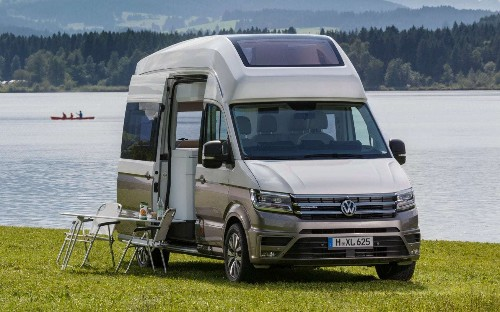VW California XXL – a compact camper concept with a shower, loo, and panoramic glass roof