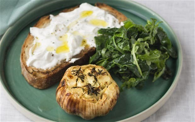 Roasted garlic with goat's cheese toast recipe