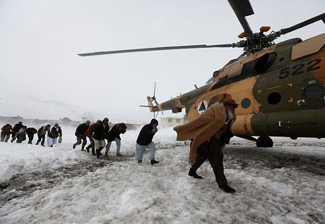 Avalanches kill more than 300 in Afghanistan