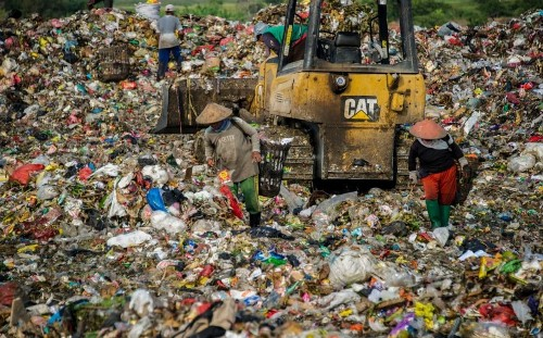 Britain must stop 'passing the buck' of plastic waste to world's poorest, MPs, peers and campaigners warn