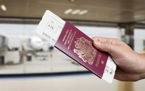 VAT revolt as thousands refuse to show boarding passes to airport shops