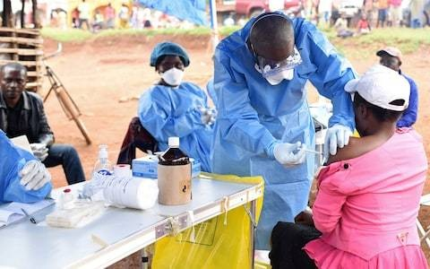 Pregnant women to be given Ebola vaccine in WHO policy U-turn