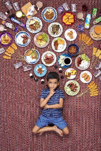 Enchanting photos of what children around the world eat in a week