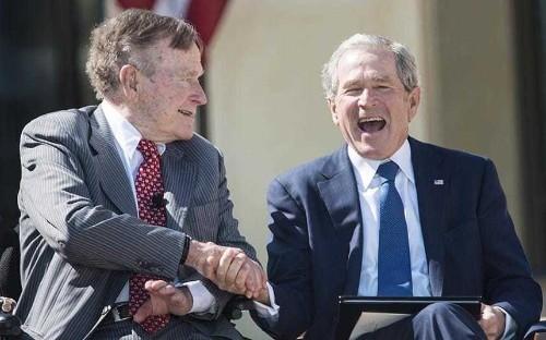 George W Bush and George HW Bush, former Republican presidents, snub Donald Trump
