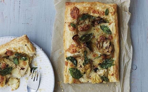 Artichoke heart, basil and mozzarella tart recipe