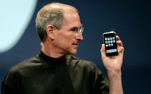 How the world reacted to the first ever iPhone 12 years ago