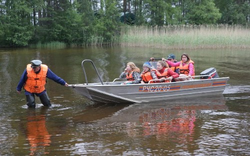 Children killed as storm turns boating trip into tragedy on Russian lake