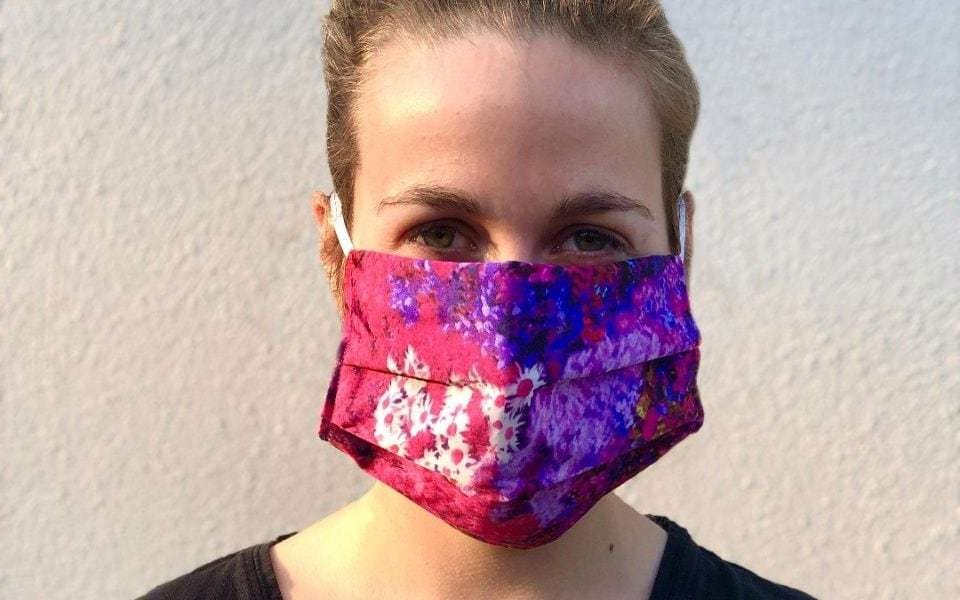How to make a face mask - that's fashionable, protective and washable at home