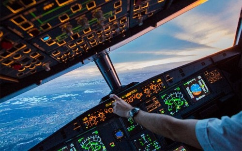 This timelapse video from a plane cockpit is the coolest thing you'll see today