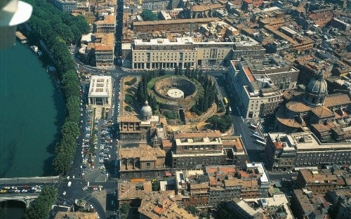 Giant mausoleum in Rome that held the remains of the emperor Augustus to be restored after decades of neglect