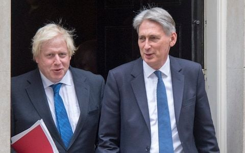 Philip Hammond to delay Boris Johnson's move into Downing Street by keeping his furniture there until the weekend