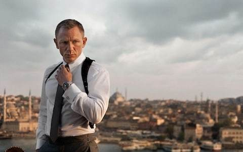 Daniel Craig signs up for Bond 25 as Christopher Nolan admits to talks with producers