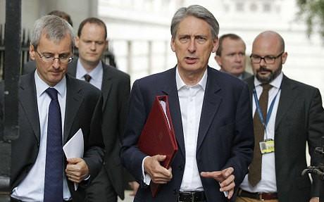 David Cameron orders emergency Cobra meeting after David Haines murder