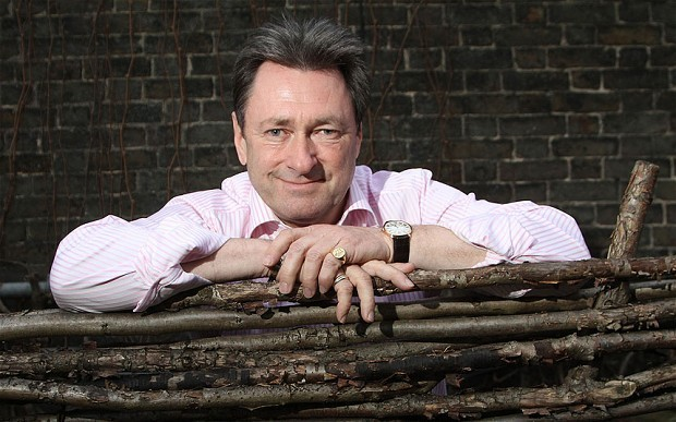 Alan Titchmarsh to tend his own garden at Chelsea Flower Show