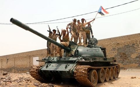Mohammed bin Salman backs Yemeni government as Saudi-led coalition descends into infighting