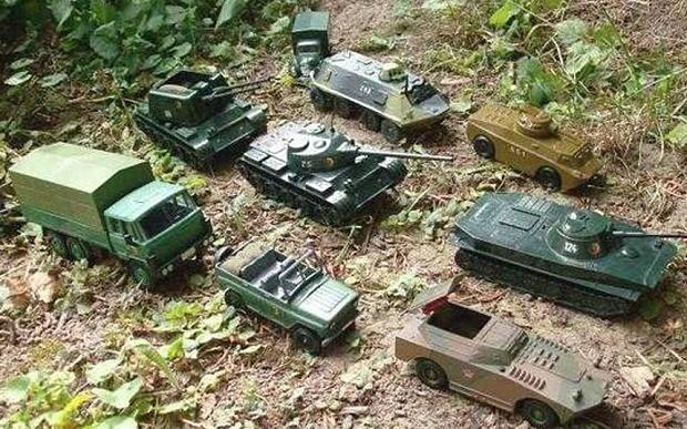 Russian embassy mocks Nato leaders with toy tank tweet