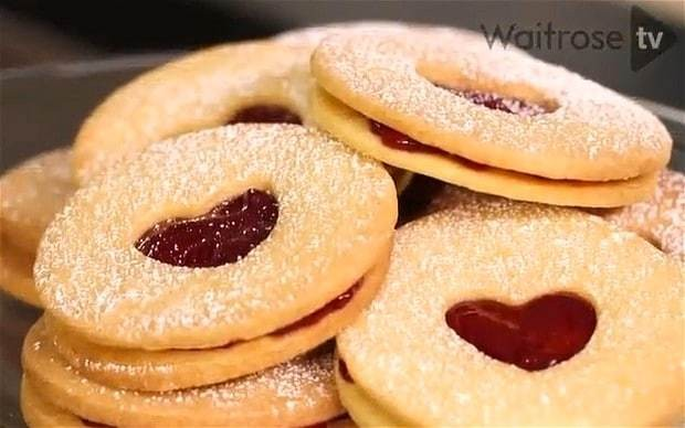 Police hunt thieves who stole over £20,000 worth of biscuits
