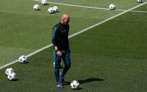 Zinedine Zidane: I wouldn't swap any Real Madrid player for Mo Salah