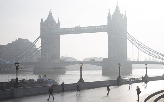 Time to see red over air pollution