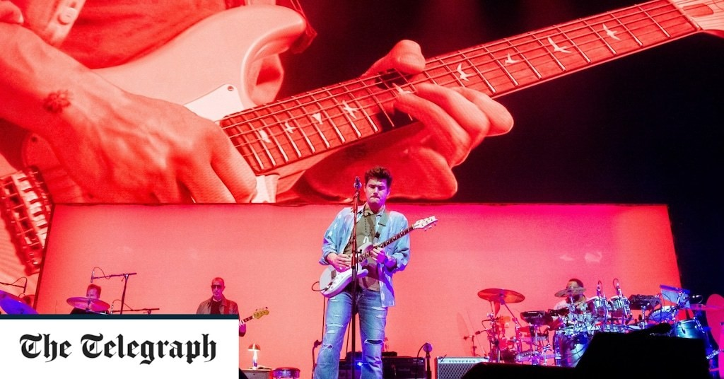 John Mayer, O2, review: Ed Sheeran crossed with Eric Clapton barely covers it