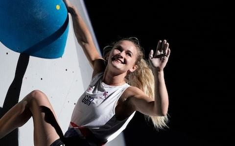 Shauna Coxsey wins world bouldering bronze as pursuit of Tokyo 2020 qualification continues