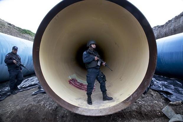 El Chapo jailbreak video includes digging sounds, claims Mexican senator