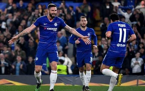Chelsea keep alive Maurizio Sarri's dream of silverware