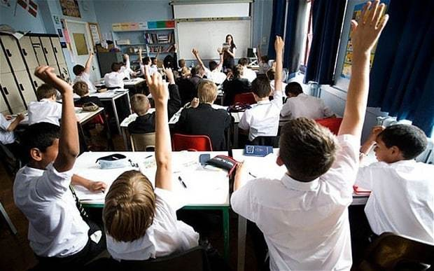 Hands-up: Bring back the practice into the classroom, says government behavioural tsar