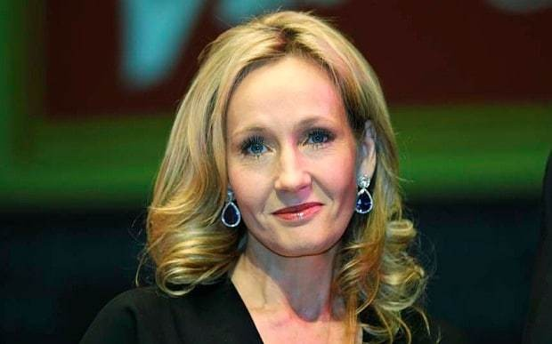 JK Rowling's brilliant response to fan who asked 'why is Dumbledore gay?'