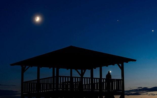 Watch: Venus and Jupiter align in breathtaking illusion