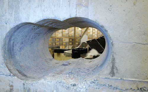 Hatton Garden heist: Tenth man arrested in Essex