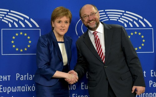 Independent Scotland in the euro 'like Greece without the sun', Nicola Sturgeon warned