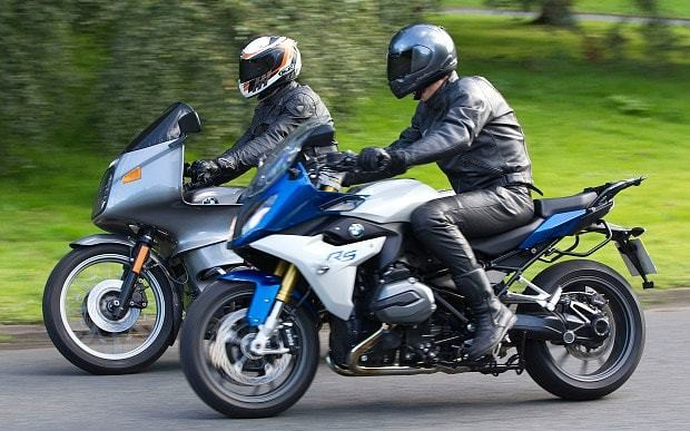 New BMW R1200RS vs classic R100RS