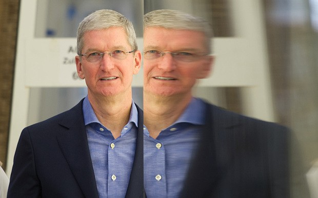Apple shares rebound after Tim Cook releases rare email on China