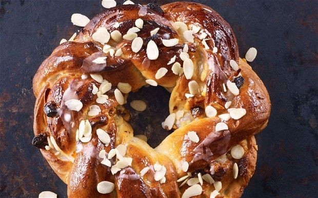 Paul Hollywood's apricot couronne recipe